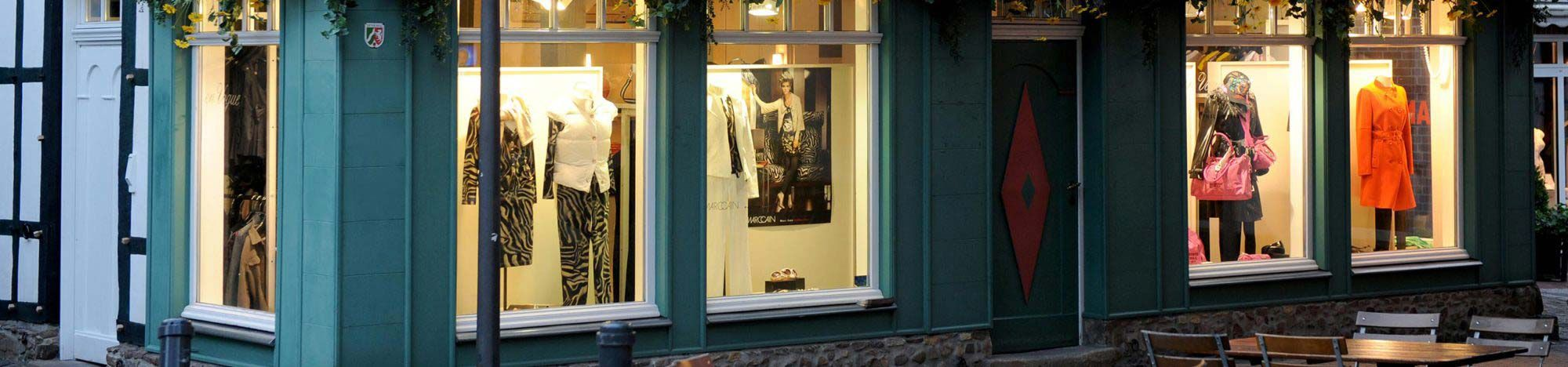Boutique en Vogue am Abend in Recklinghausen